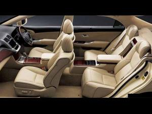 78671_interior_toyota_crown_majesta_300_225